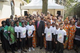 Iglesia Ni Cristo (Church of Christ) Executive Minster Brother Eduardo V. Manalo with some of the INC members in South Africa after the dedication of the new building of worship in Johannesburg on August 20, 2016 (Photo courtesy INC Executive News)
