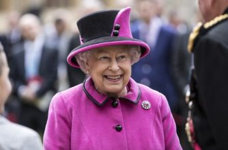 Britain's Queen Elizabeth II smiles as she hosts a ceremony to celebrate the 40th Anniversary of Motability, at Windsor Castle, west of London on April 25, 2017. Motability is a charity that enables disabled people, their families and carers to lease a new car, scooter or powered wheelchair using their mobility allowance. / AFP PHOTO / POOL / RICHARD POHLE