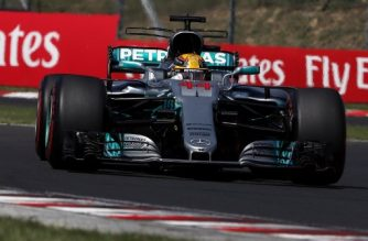 Mercedes' British driver Lewis Hamilton races at the Hungaroring circuit in Budapest on July 30, 2017, during the Formula One Hungarian Grand Prix. / AFP PHOTO / Peter Kohalmi