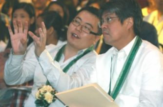 Senator Francis Pangilinan and Kenneth Dong at the 1st International Agriculture and Tourism Expo held in the World Trade Center in Pasay on June 30, 2011. /courtesy of PNA/