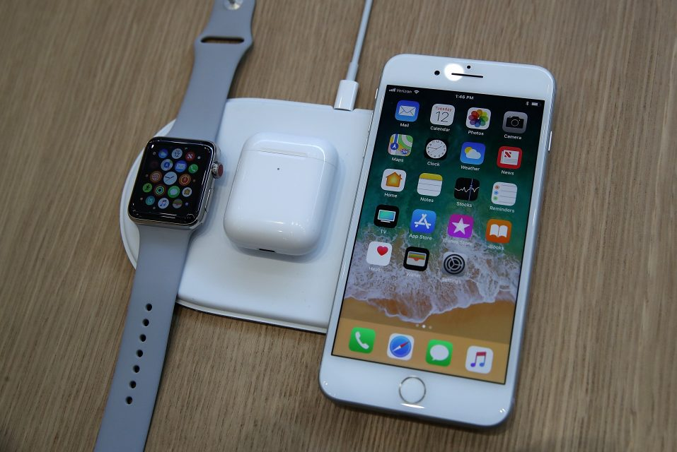 the latest b86f7 cd6f1 Apple shares slip on smartwatch reviews