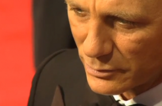 Daniel Craig on red carpet for the premiere of the James Bond film 'Spectre' (Photo grabbed from Reuters video)