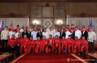 President Rodrigo Duterte poses with the coaches and officials of the 29th Southeast Asian Games (SEAG) Philippine Team, as well as with officers of the Philippine Sports Commission (PSC) and Siklab Atleta Pilipinas, during an awarding ceremony in Malacañan Palace on September 13, 2017. Also in the photo are Philippine Olympic Committee President Jose Cojuangco Jr., Executive Secretary Salvador Medialdea, PSC Chairman William Ramirez, and Presidential Adviser for Sports Dennis Uy. KARL NORMAN ALONZO/PRESIDENTIAL PHOTO