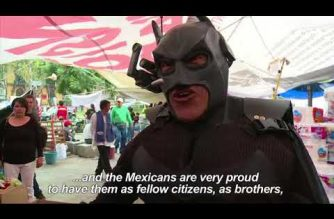 """Watch:  """"Batman"""" cheers up volunteers in Mexico City aid center after quake"""