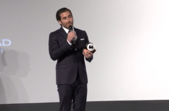 Actor Jake Gyllenhaal on the green carpet of Zurich Film Festival and receiving the 'Golden Eye Award' on stage (Photo grabbed from Reuters video)