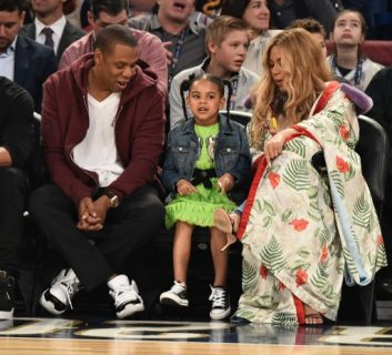 77bcf78342d NEW ORLEANS, LA – FEBRUARY 19: Jay Z, Blue Ivy Carter and Beyonce Knowles  attend the 66th NBA All-Star Game at Smoothie King Center on February 19,  2017 in ...